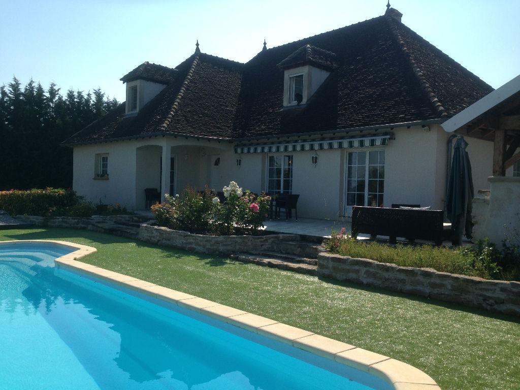 Laives proche sennecey le grand strat gie immobilier for Assurance pno garage