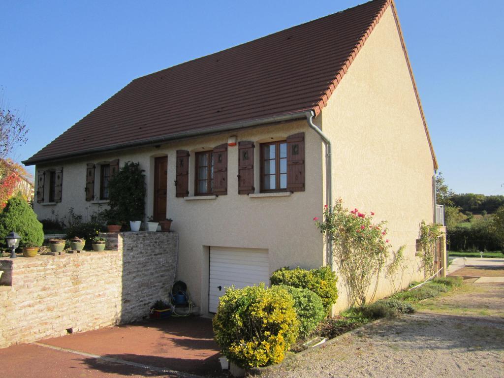 Saint gengoux le national maison traditionnelle avec for Assurance pno garage